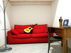 A seating area at Primo Piano Settembrini Locazione Turistica
