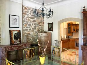 Cuisine ou kitchenette dans l'établissement Villa Eria