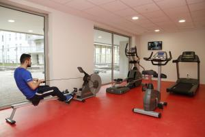 The fitness center and/or fitness facilities at Odalys City Metz Manufacture