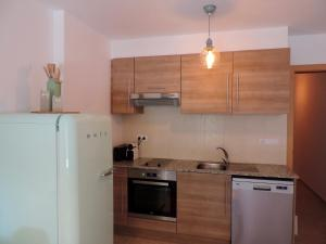 A kitchen or kitchenette at Keep Calm & Enjoy Andorra!