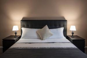 A bed or beds in a room at Magia in Trastevere