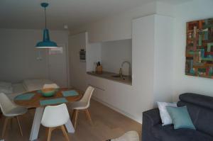 Een keuken of kitchenette bij Studio Beach-la-Mar
