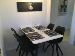 Dining area sa apartment