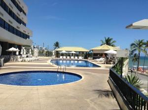 The swimming pool at or close to Lindo Apto em Ondina com Vista