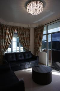 A seating area at Cameron View Apartment @ Crown Imperial Court Brinchang