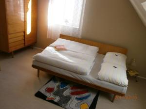 Ein Bett oder Betten in einem Zimmer der Unterkunft Chata Marie Kovářská