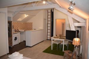 A kitchen or kitchenette at Le Léon