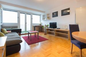 A seating area at Apartment Love Zagreb
