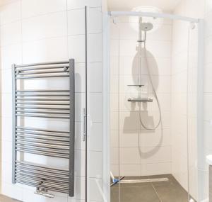 A bathroom at Zoutelande vakantiewoning