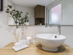 A bathroom at Center Pamplona Apartment