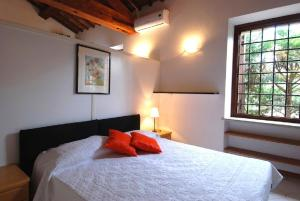 A bed or beds in a room at Palazzo Sant'Andrea ItalianFlat
