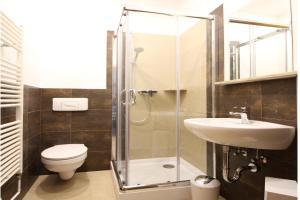 Ein Badezimmer in der Unterkunft Apartments Röhrstraße