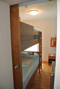Ein Etagenbett oder Etagenbetten in einem Zimmer der Unterkunft Vila Park