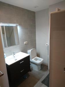 A bathroom at Cinque Terre Apartments