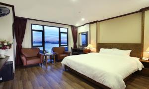 West Lake Home Hotel & Spa
