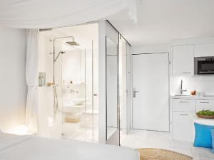 A bathroom at VISIONAPARTMENTS Zurich Militärstrasse