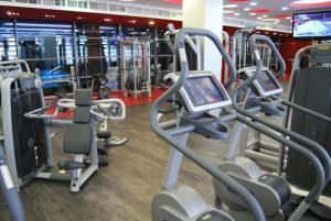 Het fitnesscentrum en/of fitnessfaciliteiten van Budapest Holidays Apartments & Spa
