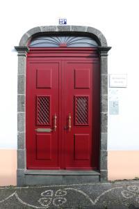 A fachada ou entrada de Apartamentos São João