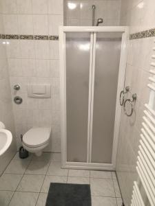 Vonios kambarys apgyvendinimo įstaigoje Petrov