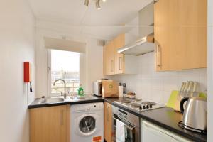 Kuhinja ili čajna kuhinja u objektu Camden Serviced Apartments