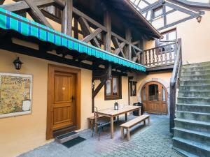 Fachada o entrada de Gîtes de la Maison Vigneronne, au Coeur de Ribeauvillé