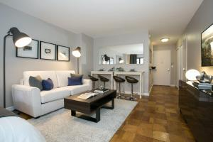 Modern Studio Apartment - Midtown East L, New York (with ...