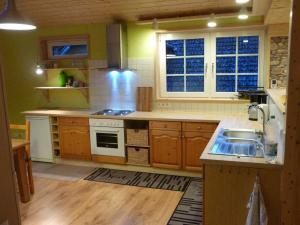 Küche/Küchenzeile in der Unterkunft Ferienhaus Gartenblick