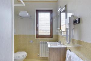 A bathroom at Apartments Nina