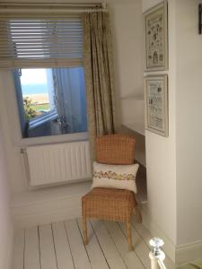 A seating area at Victorian Cottage - The Beach Walmer