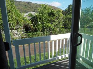 A balcony or terrace at Blue Manoa Studios