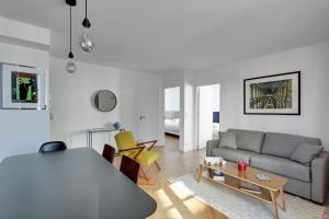 Ein Sitzbereich in der Unterkunft Residence Saint Michel / Sommerard