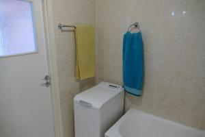 A bathroom at Apartamenty Olimp