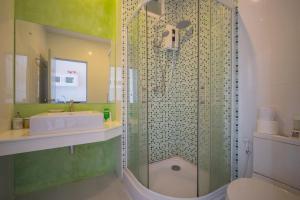 A bathroom at The Bell Condo Chalong Phuket