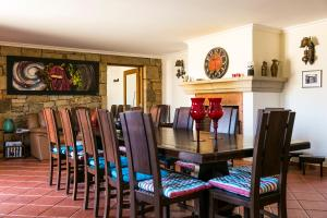 A restaurant or other place to eat at Casa da Fidalga - Villa of 5 bedrooms