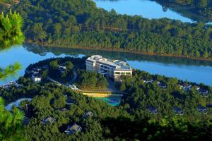 Đà Lạt Edensee Lake Resort & Spa