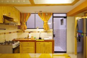 Una cocina o zona de cocina en Los Sauces Rent Apartment