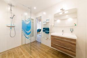 Ein Badezimmer in der Unterkunft Haus Zobler