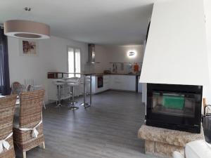 Cuisine ou kitchenette dans l'établissement Agon Coutainville