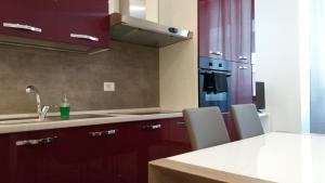 A cozinha ou cozinha compacta de Nice Livings Lazzaroni