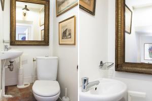 A bathroom at Île Saint-Louis apartment