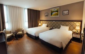 Yolo Wa Hotel