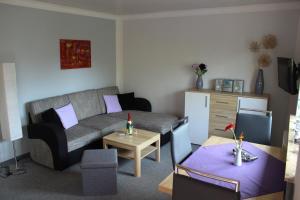 Ein Sitzbereich in der Unterkunft Ferienhaus Sonneck