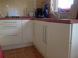Een keuken of kitchenette bij Beeldend Buiten
