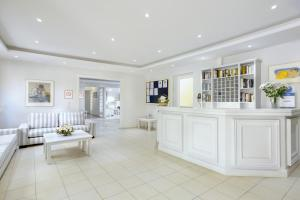 The lobby or reception area at Mare Hotel Apartments