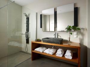 A bathroom at Villa Vipera