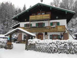 Wirtshaus im Zauberwald during the winter
