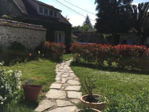A garden outside Rostis Cottage