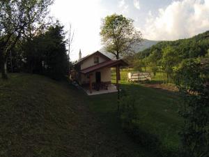 Zgradba, v kateri se nahaja počitniška hiška