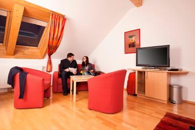 Hotel Weingut Berger, Gedersdorf - carolinavolksfolks.com