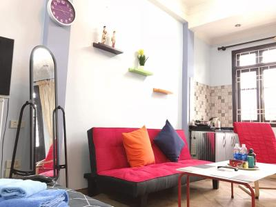 Homestay with balcony in the city centre
